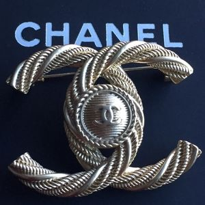 Chanel Authentic Twist Gold Brooch
